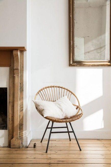 Ook in een strak interieur is rotan een ideale blikvanger! (Foto: Pinterest)