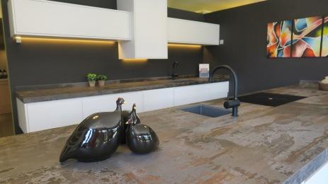@Kitchencenter Thonon: keukenwerkblad in dekton.